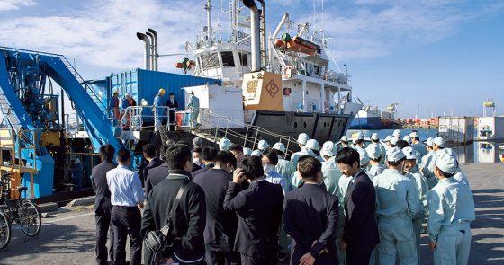 社会を支える海の仕事